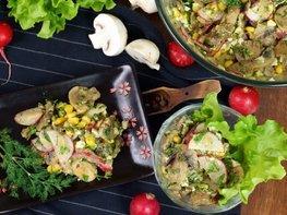Летний сытный салат с редиской без майонеза
