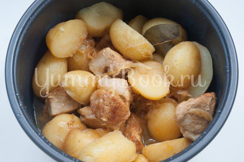 Молодой картофель со свининой в мультиварке - шаг 4