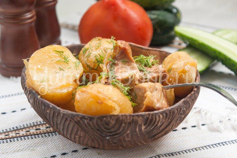 Молодой картофель со свининой в мультиварке - шаг 5