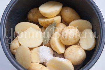 Молодой картофель со свининой в мультиварке - шаг 3