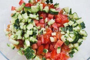 Овощной салат с нутом - шаг 4