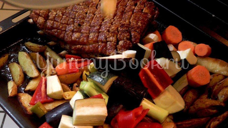 Свинина с хрустящей корочкой в духовке  - шаг 7