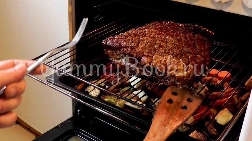 Свинина с хрустящей корочкой в духовке  - шаг 9