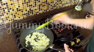 Куриное филе бедра с картофелем в соусе - шаг 7