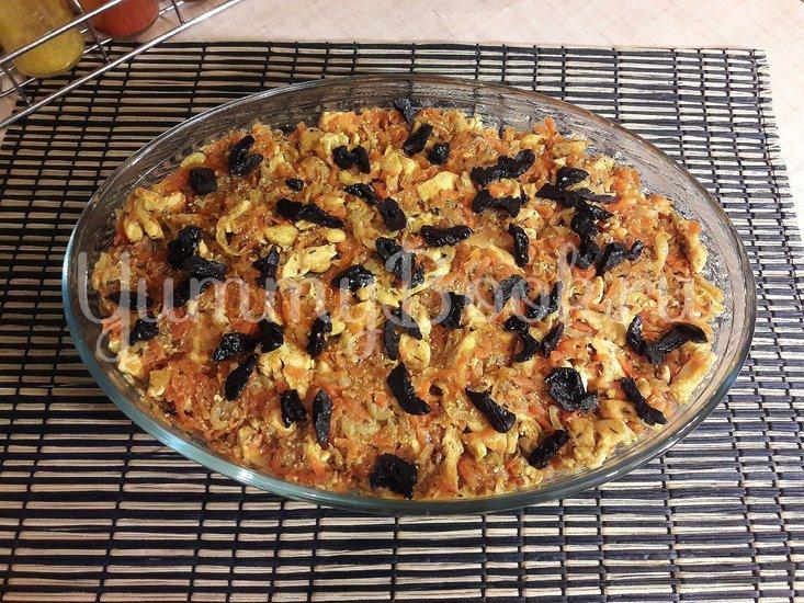 Картофельно-куриная запеканка с черносливом - шаг 10