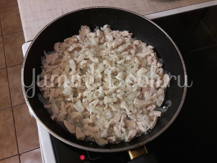 Картофельно-куриная запеканка с черносливом - шаг 5