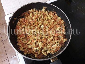 Картофельно-куриная запеканка с черносливом - шаг 7