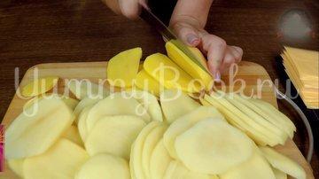Слоеная Картофельная запеканка с ветчиной и сыром - шаг 2