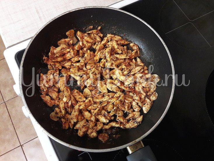 Куриное филе с болгарскими перцами - шаг 6
