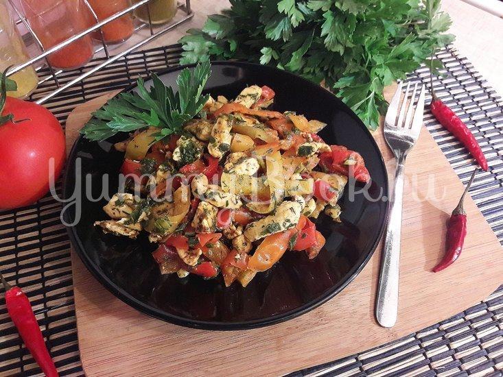 Куриное филе с болгарскими перцами - шаг 10