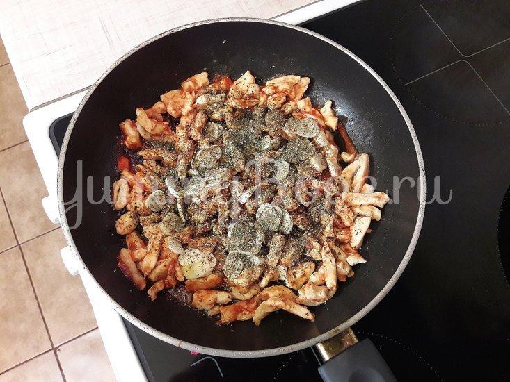 Куриное филе с болгарскими перцами - шаг 5