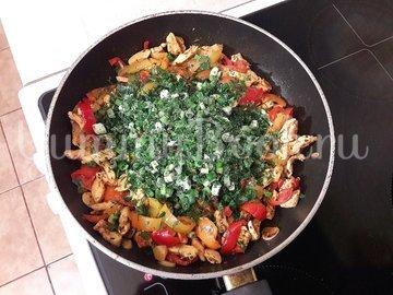 Куриное филе с болгарскими перцами - шаг 8