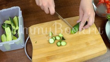 Малосольные огурцы и помидоры по-домашнему - шаг 2