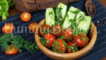 Малосольные огурцы и помидоры по-домашнему - шаг 8