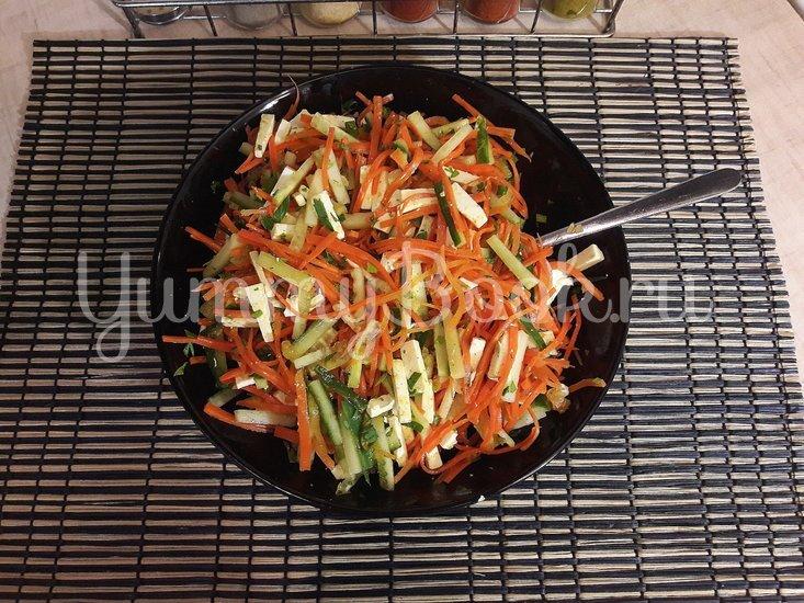 Салат с морковью по-корейски, огурцом и фетой - шаг 3