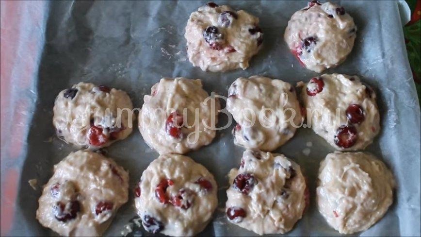 Домашнее печенье на сметане с вишней - шаг 6
