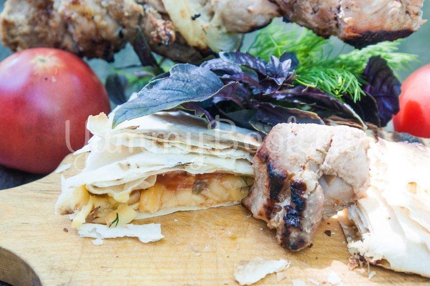 Лаваш с сыром на решётке для гриля