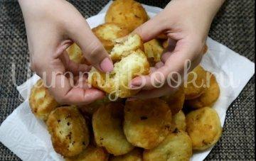 Пончики из творога на сковороде - шаг 5