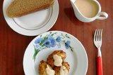 Паштейги из трески с сырным соусом