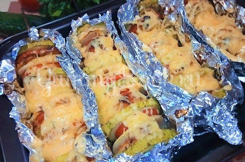 Овощи запеченные с куриным филе в духовке