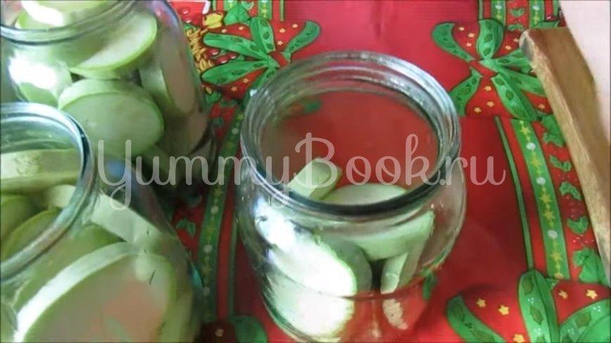 Консервированные кабачки с кетчупом чили - шаг 3