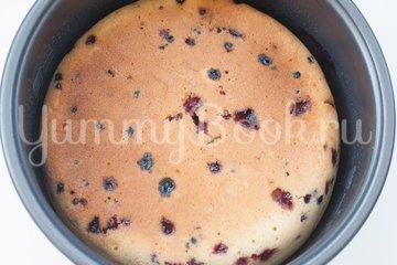 Пирог со смородиной в мультиварке - шаг 8