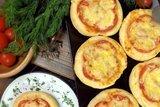 Мини пиццы из пышного теста