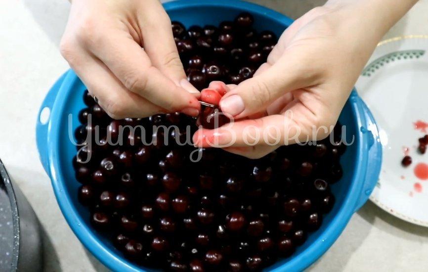 Варенье из вишни с желатином - шаг 1