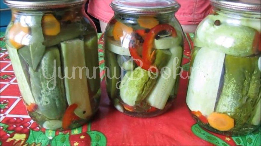 Маринованные огурцы с кабачками на зиму - шаг 5