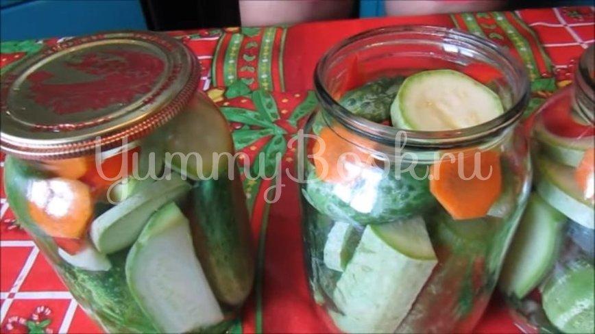 Маринованные огурцы с кабачками на зиму - шаг 3