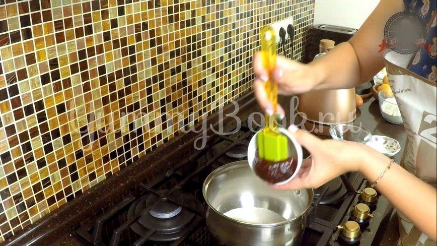 Пирог «Перевёртыш» с абрикосами  и  карамелью - шаг 2