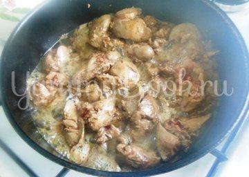 Тёплый салат из куриной печени и помидоров черри - шаг 3