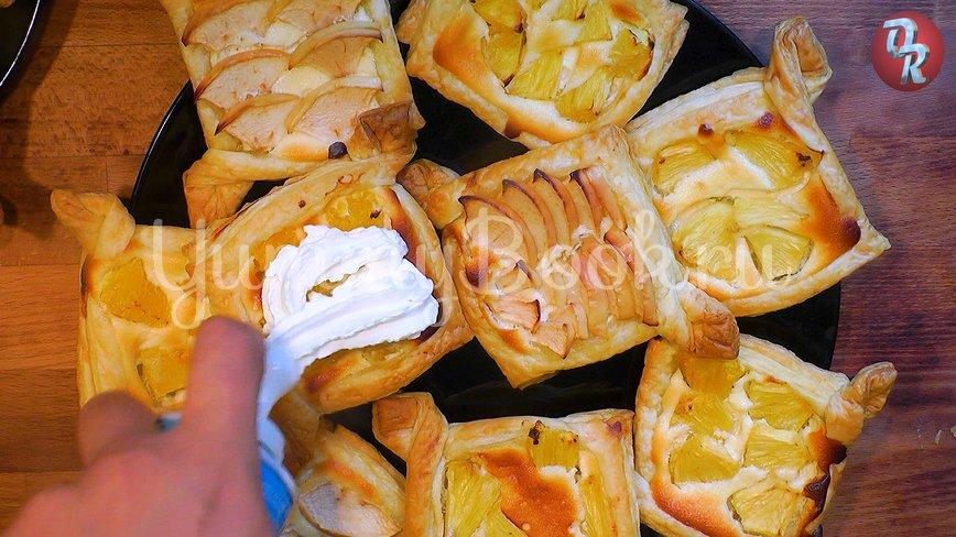 Творожные пирожные с фруктами - шаг 10