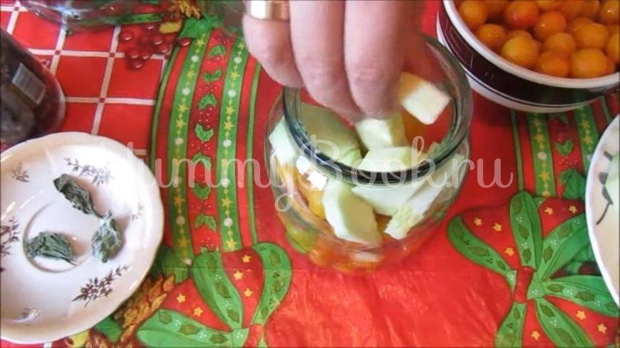 Кабачки с алычой «как ананасы»  - шаг 3