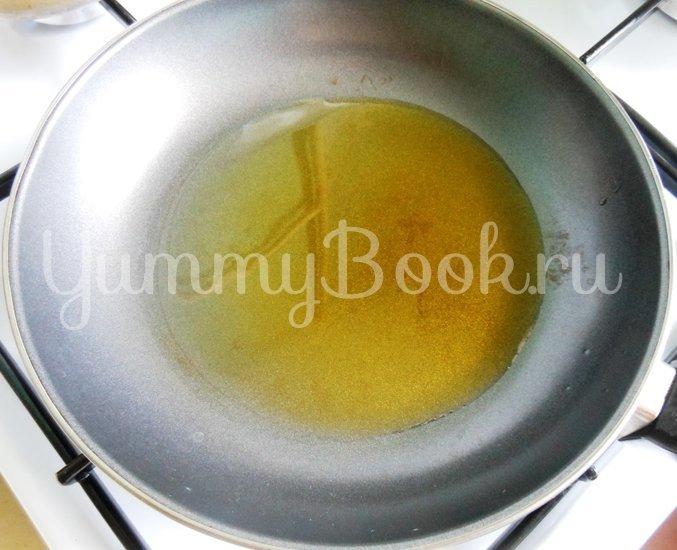 Тёплый салат с кальмарами - шаг 5