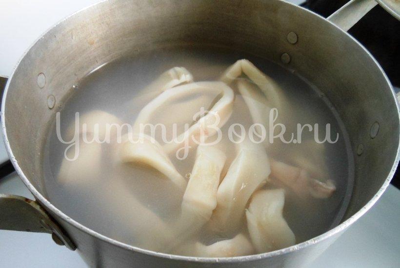 Тёплый салат с кальмарами - шаг 8