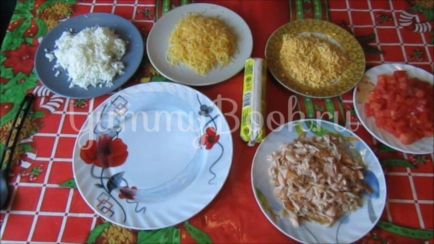 Слоёный салат из лосося и сыра  - шаг 2