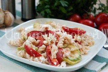 Салат с макаронами и сыром фета - шаг 9