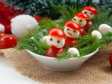 """Канапе """"Дед Мороз"""""""