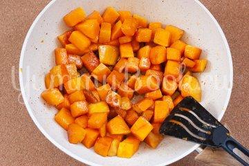 Жареная тыква с соевым соусом - шаг 3