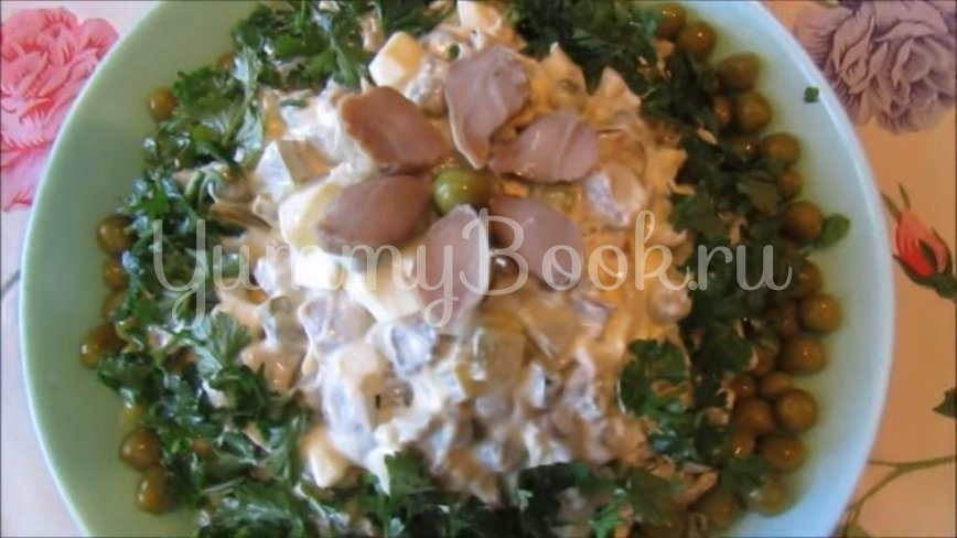 Бюджетный салат с куриными желудками и жареными грибами - шаг 4