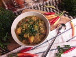 Тыквенно-чечевичный суп с копчёной курицей