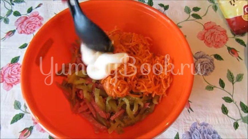 Салат с копченой колбасой и морковью по-корейски - шаг 2
