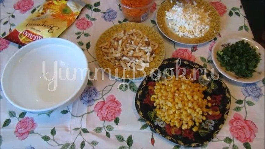 Салат с копченым сыром «Косичка» и морковью по-корейски - шаг 2