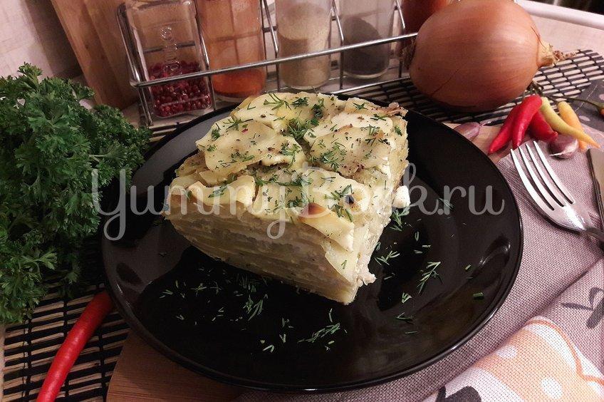 Картофельная запеканка с луком и фетой