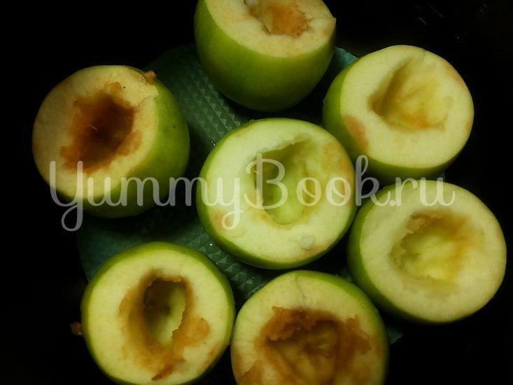 Яблоки с орехами и корицей в мультиварке - шаг 1