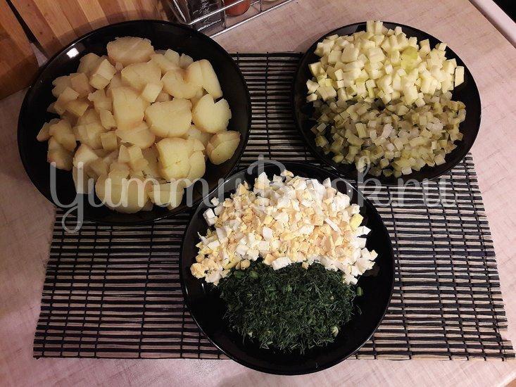 Картофельный салат с маринованными огурцами и яблоком - шаг 2