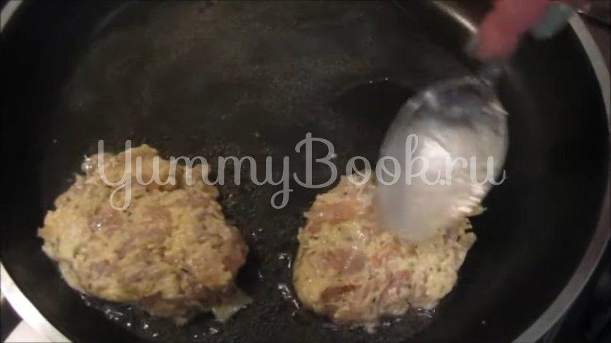 Куриные котлеты с тёртым сыром - шаг 4