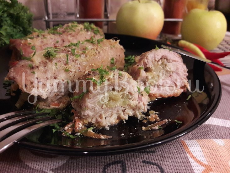 Рулетики из свинины с яблоком и хреном - шаг 10