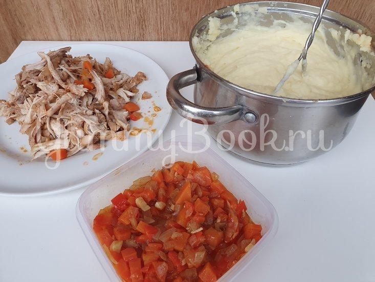 Картофельная запеканка с курицей и сыром - шаг 7